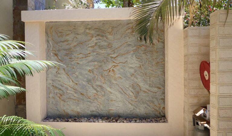 קיר מים לגינה