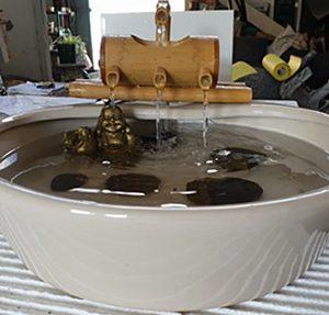 מפל מים ביתי עם במבוק