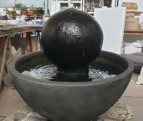 מזרקות מכדור אבן